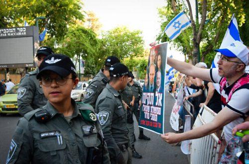 Pengunjuk Rasa Menentang Calon Koalisi Mengancam Eksekusi Aktivis Saingan